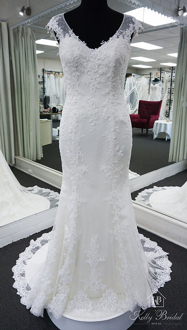 Nadia Mermaid Style Wedding Gown