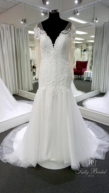 Nikita Mermaid Style Wedding Gown
