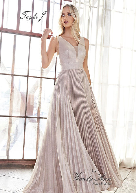 Wendy Ann Gorgeous A-line Pleated Formal Gown