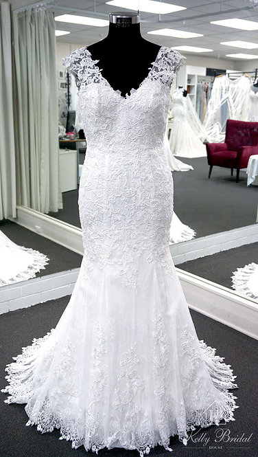 Mona Mermaid Style Wedding Gown