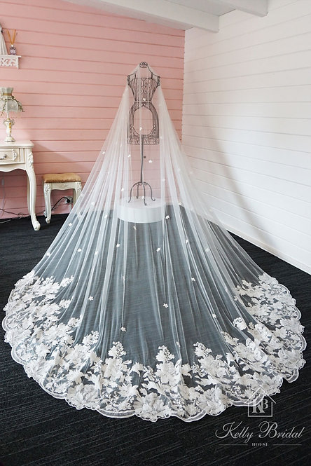 Semi Edged Wedding Veil With Lace Around Train