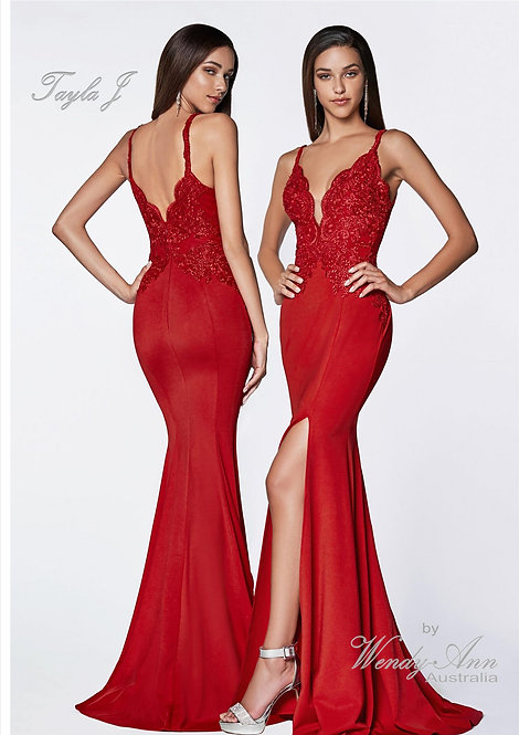 Wendy Ann Elegant Fitted Lace Bodice Gown