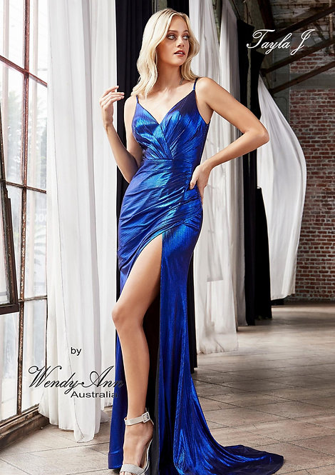 Wendy Ann Absolutely Stunning Fitted Metallic Gown