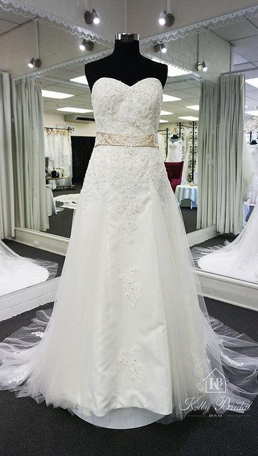 Alyssa A-Line Style Wedding Gown