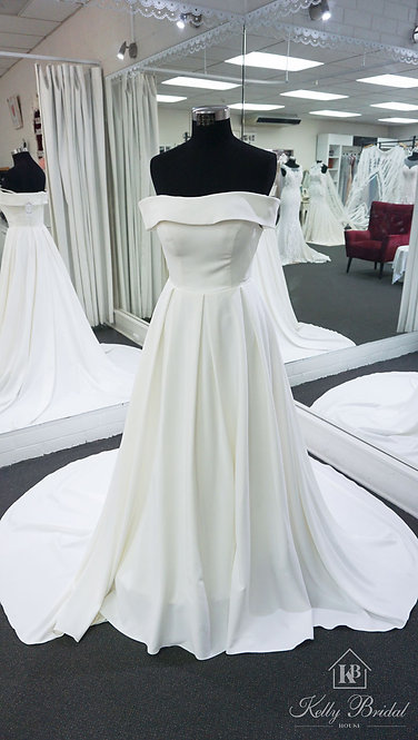 Anna A-Line Style Wedding Gown