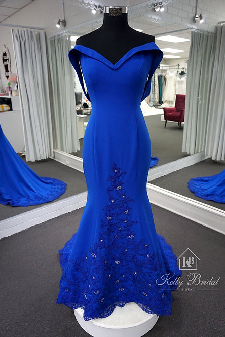 Long Sweetheart Neckline Off-The-Shoulder Evening / Ball Dress