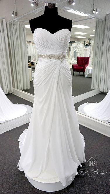Nicky Mermaid Style Wedding Gown