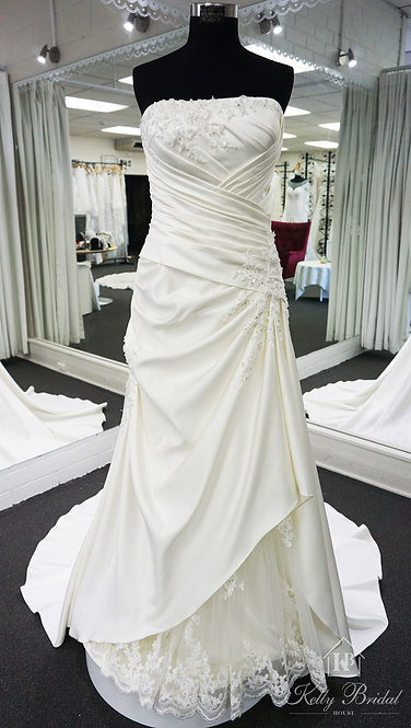 Angela A-Line Style Wedding Gown