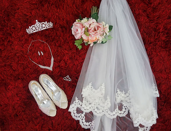 Kelly Bridal House Accessories Package.j