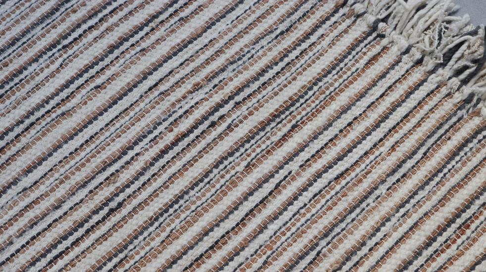 JOSEPHINE, tapis PERRINE tissé-main en laine, lin et jute
