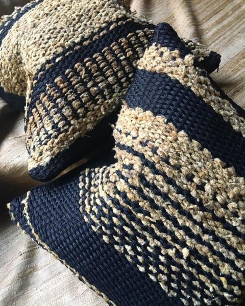 Coussins uniques réalisés à la main en soie et coton