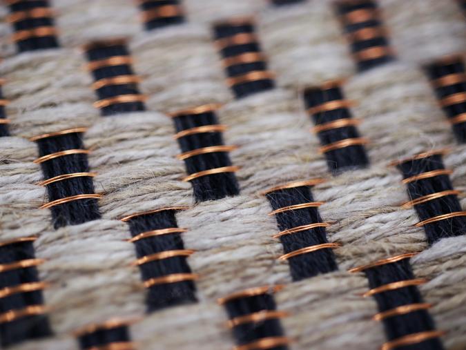 Référence unique PERRINE conçue à la main en fils de cuivre et lin