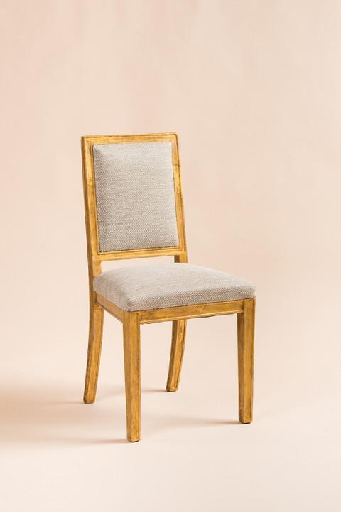 Chaise réalisée par Jean Michel Frank Tissu d'assise LUNE GOLD, tissé-main en lin et Lurex  © Sylvainleurent Courtoisie