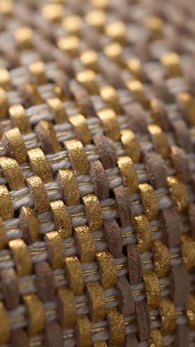 Prototype PERRINE fait-main en lanières de cuir métallisées