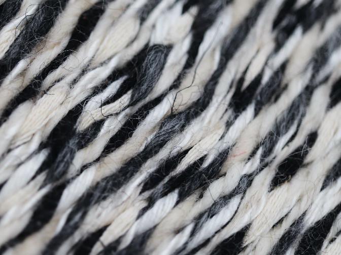 Tissu fait-main PERRINE en laine