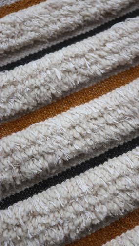 CHO, tapis PERRINE tissé et noué-main en soie de bambou, laine et coton