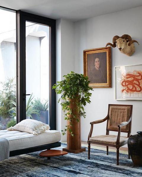 Architecte d'intérieur : Neal Beckstedt, résidence privée  Coussin tissé-main TAKIYA