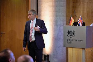Prof. Dr. Claus Kriebel Presse 4.jpg