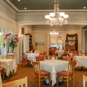 DSC_2582 Main dining room indv. tables.J
