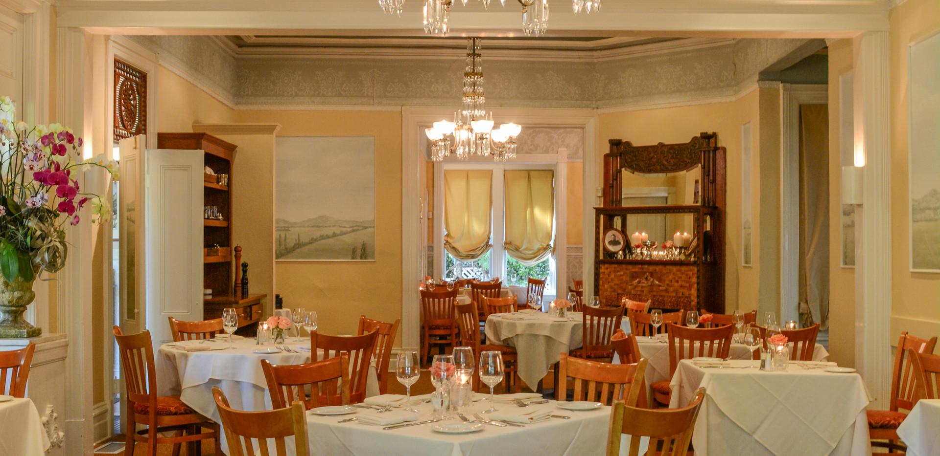 DSC_2591 Main dining ind. tables .JPG