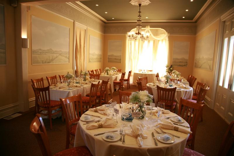 089 (Medium) dining room 50.jpg