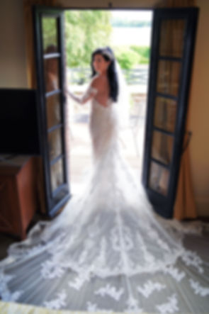 Beautiful Bride, Westerern House Hotel
