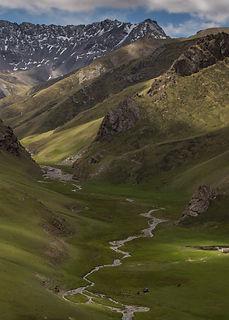 Looking-across-the-Torugart-Pass-from-Kyrgyzstan-into-China-adjacent-tot-Tash-Rabat-an-anc