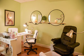 salon pic thersa room.jpg