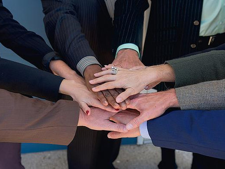 Do Leaders Hide Behind Collaboration?