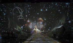 Oya Tempo, Luiza Lian, Auditório do Ibirapuera, vídeo projeções de Bianca Turner