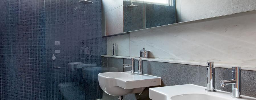 burke_1451_kew_east_bathroom.jpg