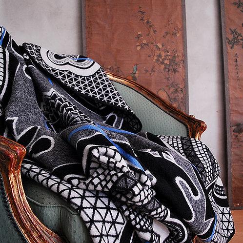 Basothopledd Kharetsa sort og hvitt med blå stripe