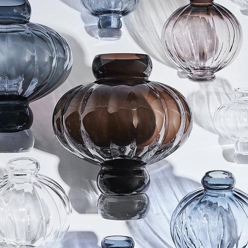 Louise Roe Balloon Vase 02