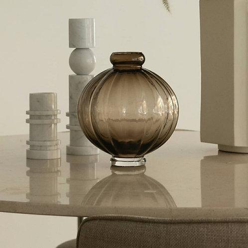 Louise Roe Balloon Vase 01