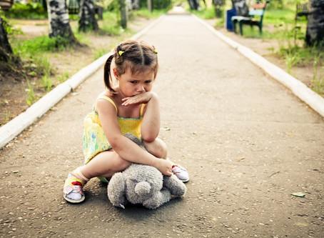 ДЕТИ, КОТОРЫЕ НУЖДАЮТСЯ В ЛЮБВИ БОЛЬШЕ ВСЕХ, ВЕДУТ СЕБЯ ХУЖЕ ВСЕХ