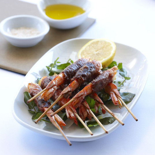 Grilled Prawns Wrapped in Jamon