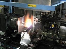 石英加工機による石英管加工