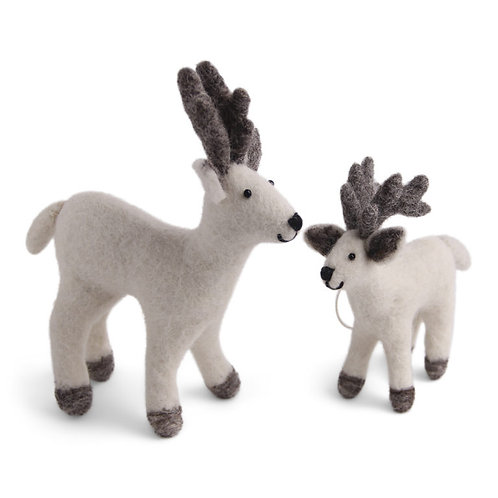 White Reindeer Mother & Baby (MIN 4)