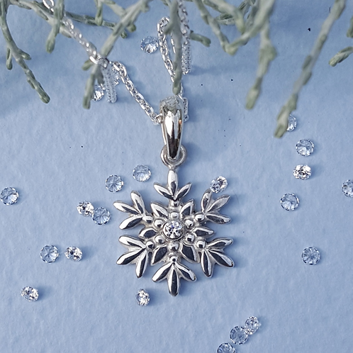 Arctic Flower Necklace with Cubic Zirconia