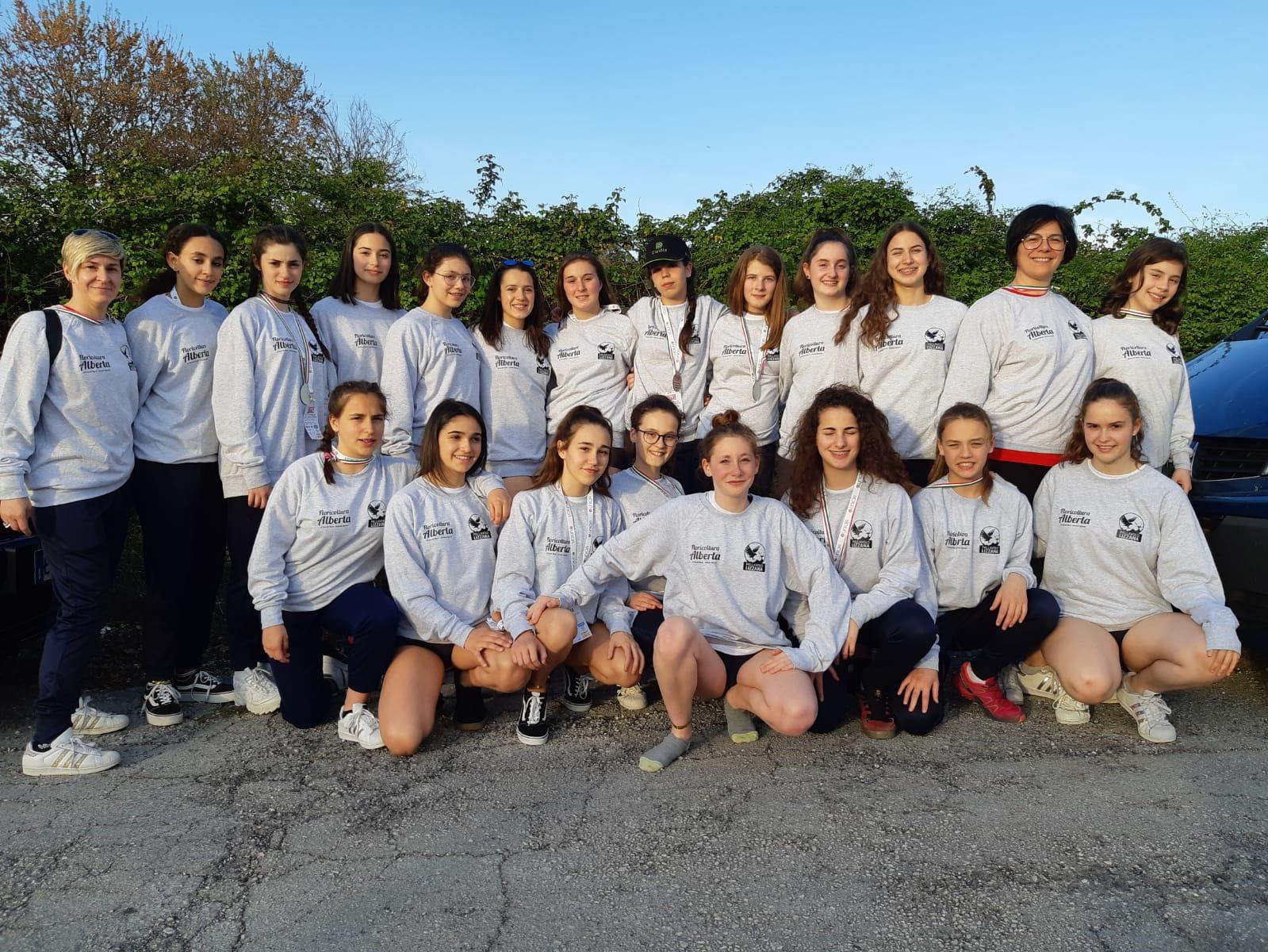 Ester Volley 9