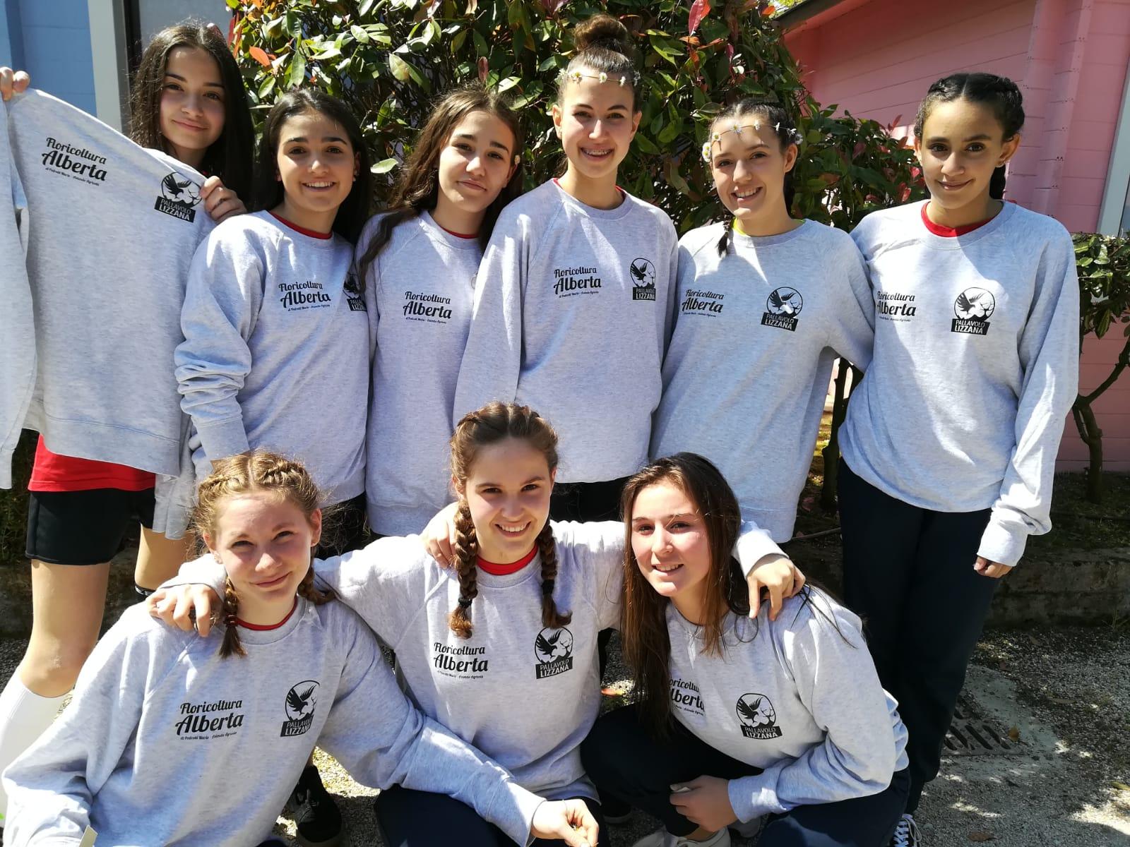 Ester Volley 6