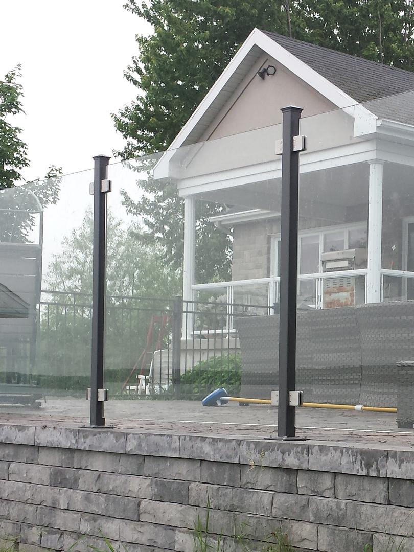 Clôture de verre agencé villa