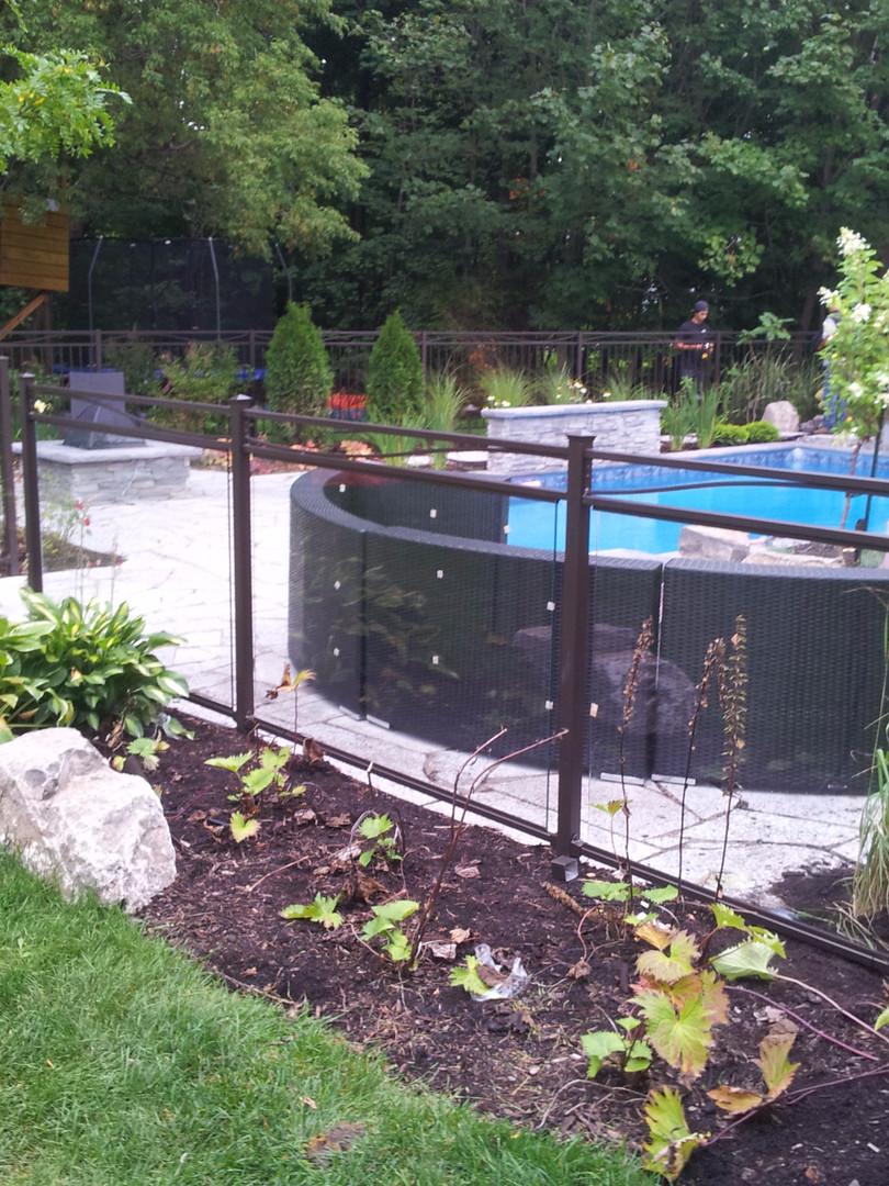 cloture de piscine en verre trempé