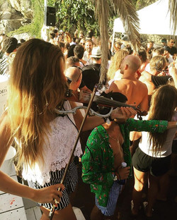 Another pic of what's happened in champagne party _elpirataclub last sunday! Thank's to all for what