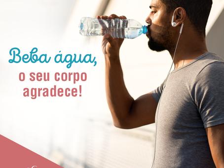 Beba água, o seu corpo agradece!