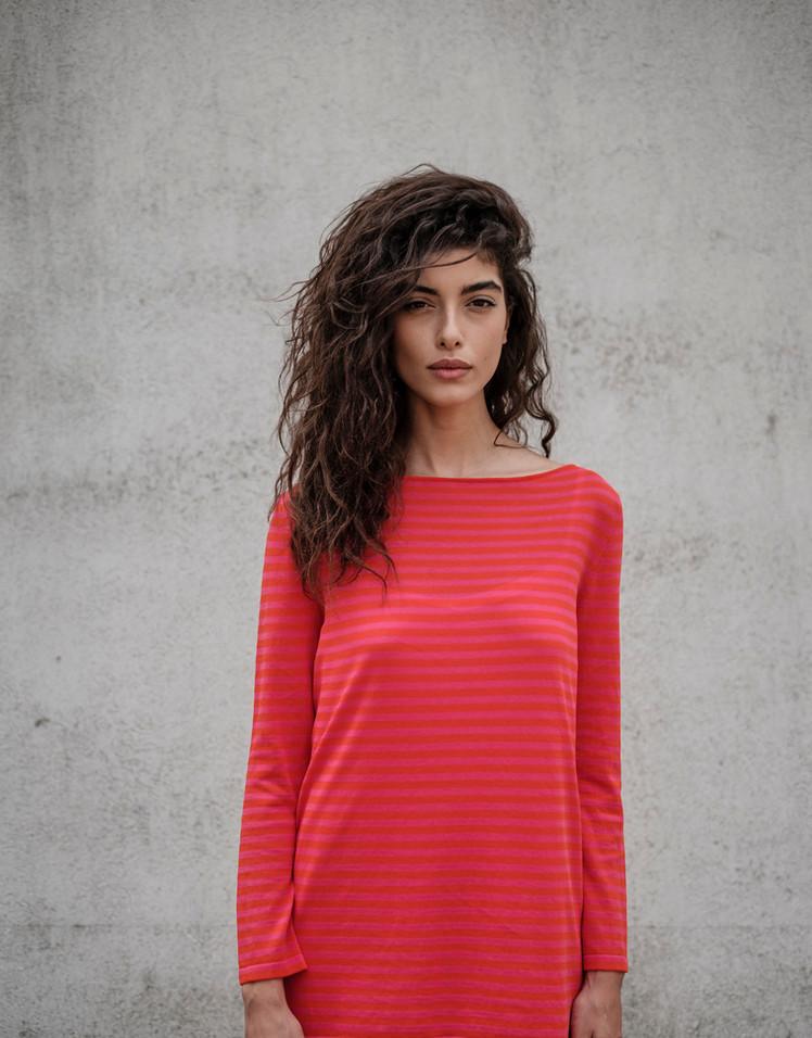S1907 - stripe t-shirt S1956 - long dres