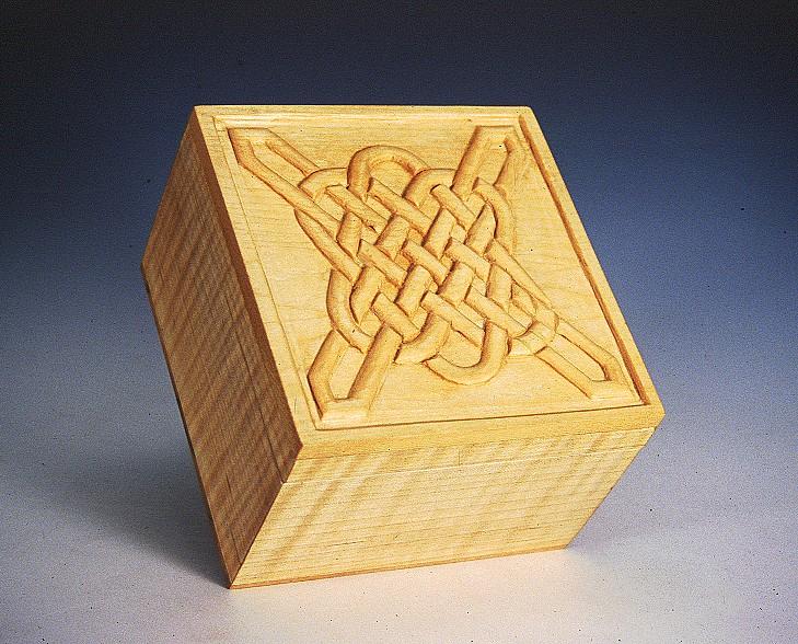 I1_BOX_MAPLE_BRASS