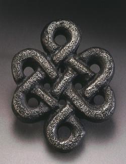 Cast iron Celtic knot buckel