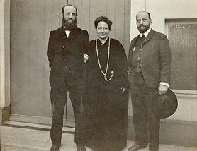Gertrude-Stein-Paris-1907-4.jpg