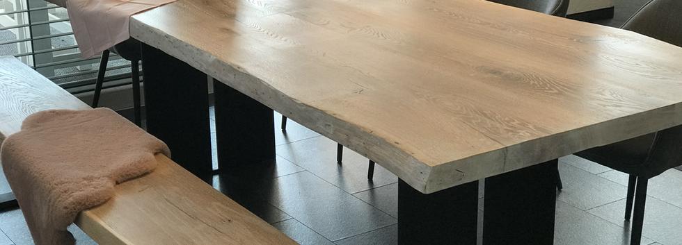 Holztischwerk Esstisch mit Bank